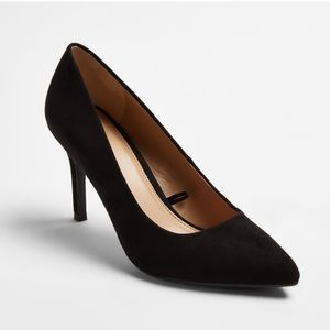 A New Day Black Pointed Toe Pumps